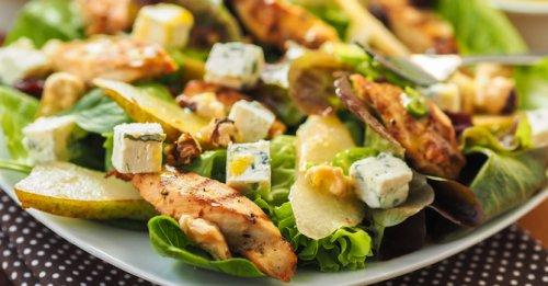 Chicken, pear & walnut salad