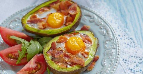 Egg & bacon avocado boats