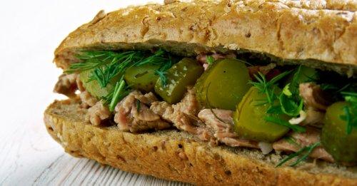 Lemon-dill tuna sandwich