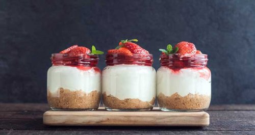 Quick berry cheesecake