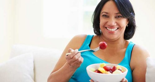 Lose weight by eating breakfast